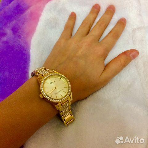 Часы женские новые со стразами