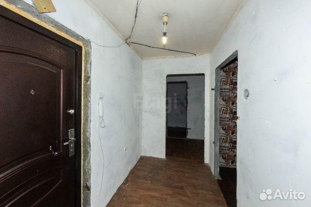 Продается двухкомнатная квартира за 2 700 000 рублей. Моторостроителей, 10.